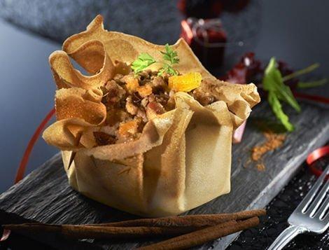 Recette d'aumonières ) la farce de figues et foie gras sur son lit de pain d'épices.
