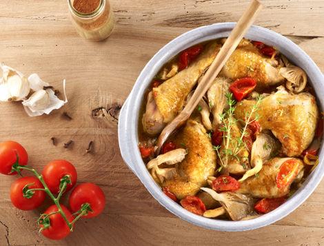 Vous cherchez une recettes aux couleurs de la Réunion, Maître CoQ y a pensé pour vous. Découvrez notre Cari de poulet aux pleurotes.