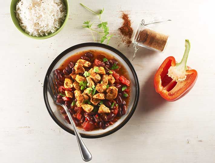 Maître CoQ vous propose sa recette de Chili de poulet express réalisée avec ses filets de de poulet à assaisonner à la mexicaine. A découvrir !