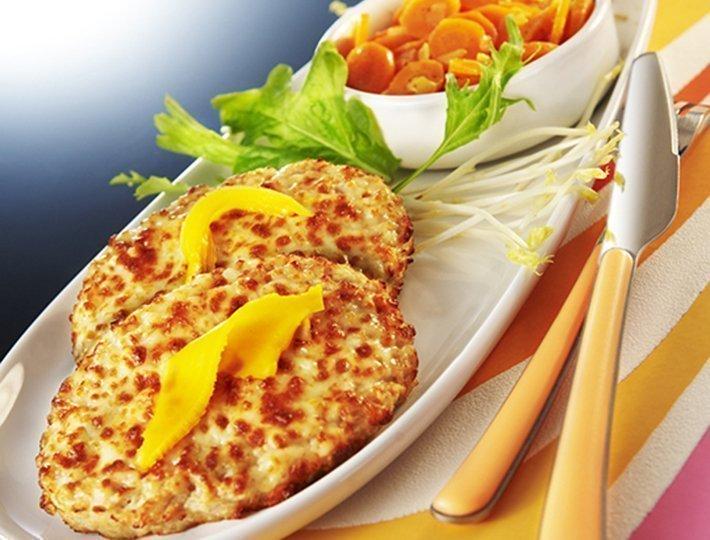 Recette pour les petits poussins, hachés de poulet gratiné et fondue de carottes au cumin et à l'orange Maître CoQ.