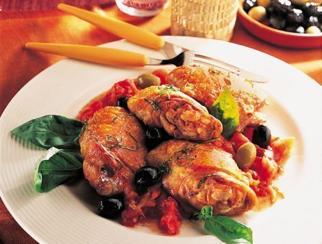 Recette du quotidien Maître CoQ, poulet aux olives et à la tomate.