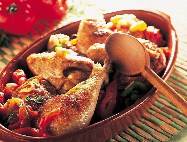 Poulet basquaise recette du quotidien ma tre coq - Cuisson oeuf a la coq ...