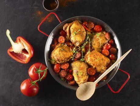 Découvrez notre recette internaute de Poulet au chorizo. Cette recette, revisitée avec le délicieux Chorizo Espagnol accompagné de pommes de terre