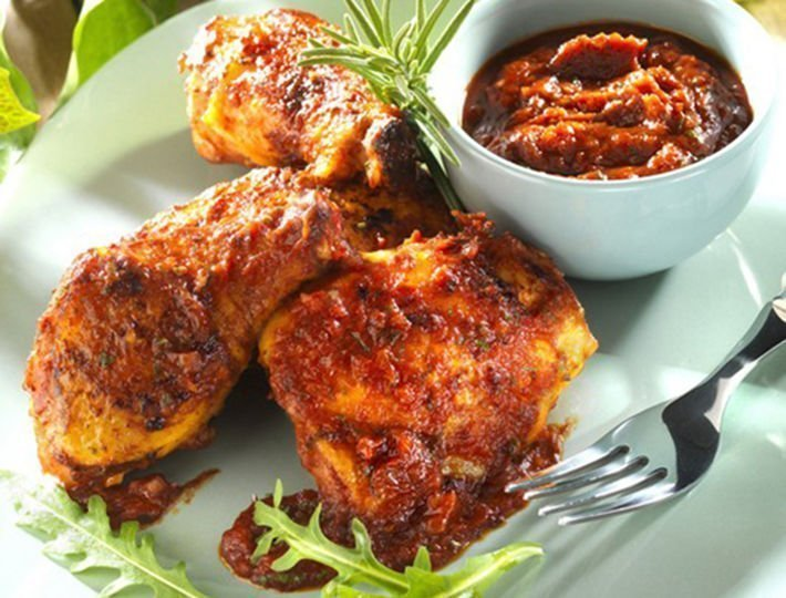 Recette pour le barbecue Maître CoQ, poulet mariné barbecue.