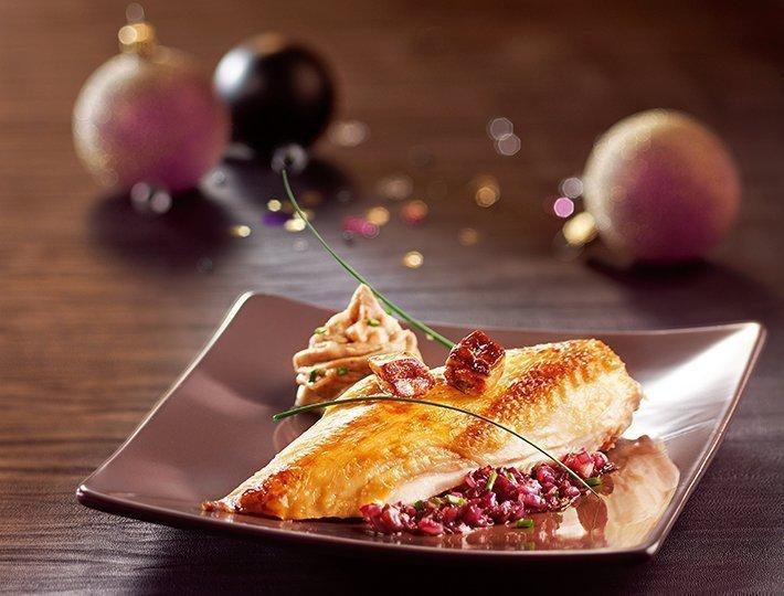 Suprêmes de chapon, crème de châtaignes et sauce foie gras