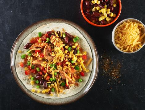 Voyagez au Mexique avec notre recette internaute de Tacos maison au poulet. Cette recette facile et délicieuse à réaliser pour un apéritif entre amis.