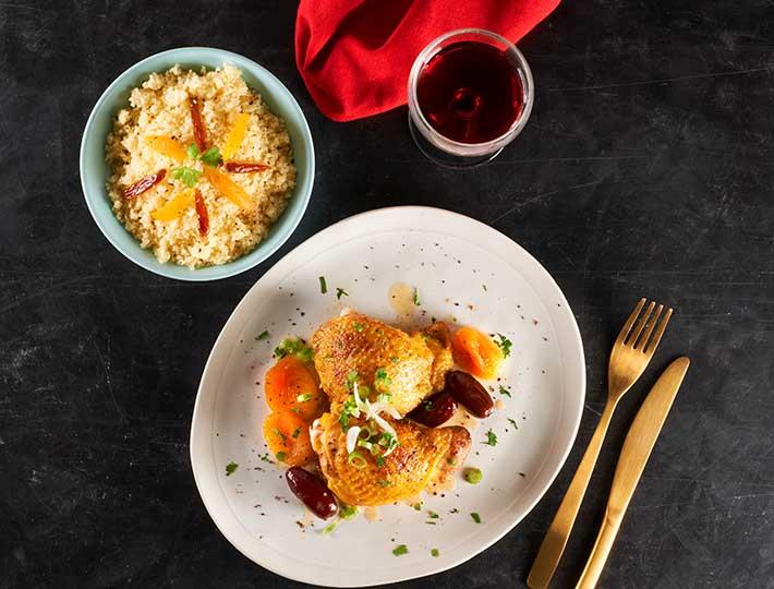 Le Poulet aux 4 épices est une recette aux saveurs orientales. Un plat convivial, aux notes réconfortantes, à partager autour d'une table.